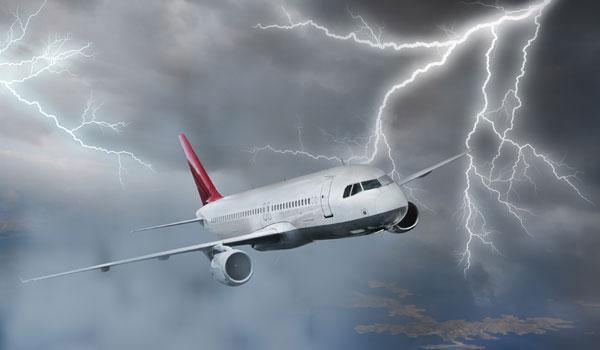 Nguyên lý chống sét của máy bay là gì?